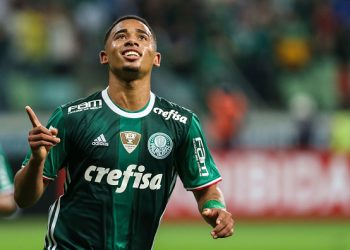 SAO PAULO, BRAZIL - JUNE 30: Gabriel Jesus of Palmeiras celebrates after scoring the fourth goal of his team during the match between Palmerias and Figueirense as par of the Brasileirao Series A 2016 at Allianz Parque Stadium on June 30, 2016 in Sao Paulo, Brazil. (Photo by Adailton Damasceno/Brazil Photo Press/LatinContent/Getty Images)
